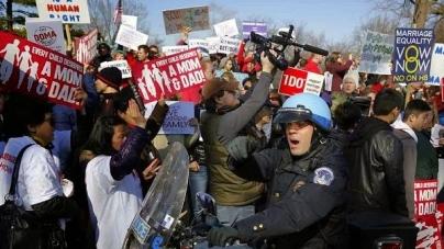 USA: Protestas contra matrimonio gay previo a decisión de Corte Suprema