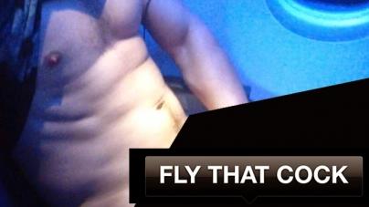 'Fly That Cock', la moda de enseñar el pene en aviones