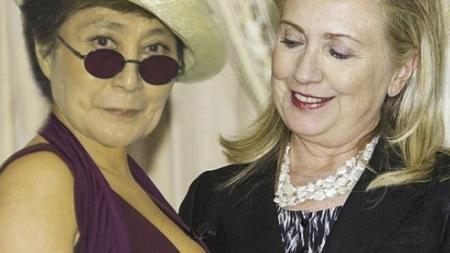 Yoko Ono confiesa una relación lésbica con Hillary Clinton