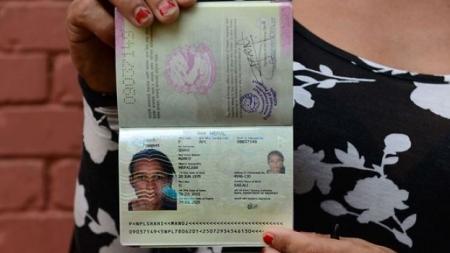 Nepal: Una transexual obtiene el primer pasaporte para el tercer género