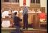 USA: Le pide matrimonio a su pareja en iglesia y recibe una ovación de pie
