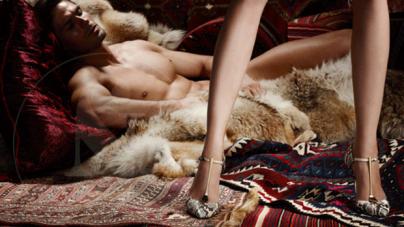 Brian Atwood y su campaña de modelos desnudos en tacones