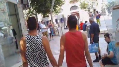 Israel: Mira la reaccionan en Jerusalén de una pareja gay paseando de la mano