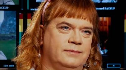 Mujer transgénero de 46 años empieza a vivir como una niña de 6