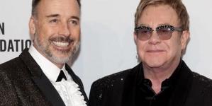 La prensa británica oculta el trío de Elton John