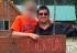 USA: alcalde homófobo, arrestado por jugar con un menor al strip poker en su cama