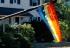 USA: Rompen la bandera gay de una pareja y sus 40 vecinos la ponen en sus casas