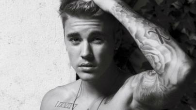 Justin Bieber enseña el culo otra vez