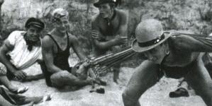 Pandilleros gays desnudos en el Berlín de los años 30