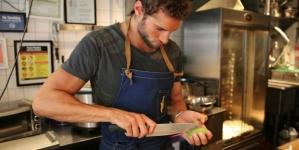 El chef más sexy del mundo visita a Ellen Degeneres