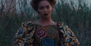 Beyoncé incluye a pareja gay en su más reciente video