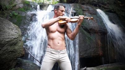 Matthew Olson, el violinista más sexy del mundo