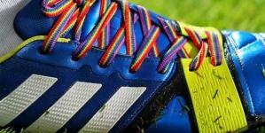 Inglaterra: La Federación inglesa de fútbol ha pedido a los futbolistas gays que salgan del armario