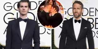 El beso gay de los Globos de Oro entre Ryan Reynolds y Andrew Garfield