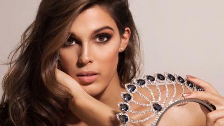Iris Mittenaere sería la primera Miss Universo lesbiana