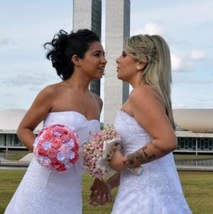 Brasil: Se reglamenta la unión estable y matrimonio gay