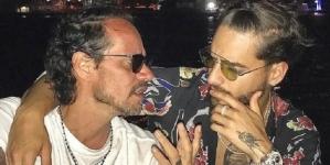 Marc Anthony besa a Maluma y lo suben a Instagram