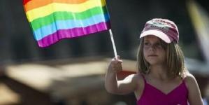 Inglaterra: Maestros británicos piden promover entre los niños el estilo de vida gay