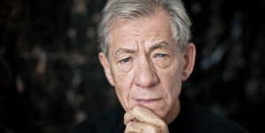 Ian McKellen quiere ver un James Bond gay