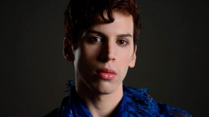 El actor de 'Orphan Black' Jordan Gavaris sale del armario