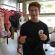 USA: Adolescente crea ropa para personas LGBT sin hogar