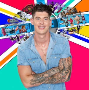 Sam Chaloner desnudo en Big Brother UK