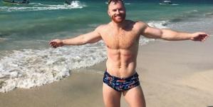 Seth Fornea prepara calendario desnudo para el 2018