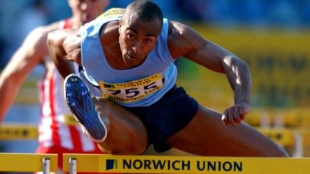 Colin Jackson, Atleta olímpico sale del clóset a los 50 años