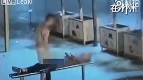 China: Gay es arrestado por dar sexo oral a hombre inconsciente y robarle
