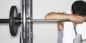 Alemania: Hombre atora su miembro en una pesa de gimnasio