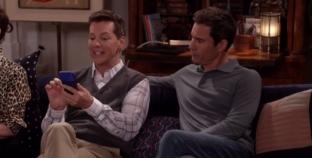 Jack y Will descubren Grindr en el nuevo promocional de Will & Grace