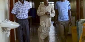 Kenia: Operan exitosamente al hombre con el pene más largo del mundo