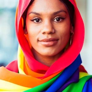 Australia: El hiyab arcoíris para apoyar el matrimonio igualitario