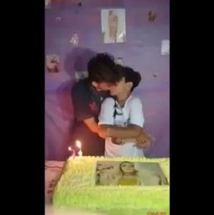 Brasil: Dos adolescentes besando desatan polemica en el pais