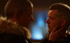 El beso de Wentworth Miller y Russell Tovey en la serie The Flash