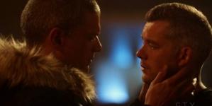 El beso de Wentworth Miller y Russell Tovey en la serie The Flash