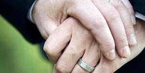 Costa Rica: Católicos y evangélicos firman en contra del matrimonio homosexual