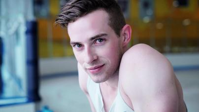 Adam Rippon es el primer estadounidense  gay en calificar para los Juegos Olímpicos de Invierno