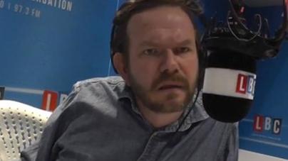 USA: Un oyente homófobo llama a la radio y el presentador lo humilla en directo