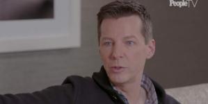Sean Hayes nos cuenta la reaccion de su mama cuando se declaró homosexual