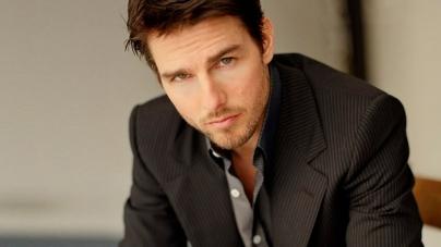 Tom Cruise enseñando melocotón