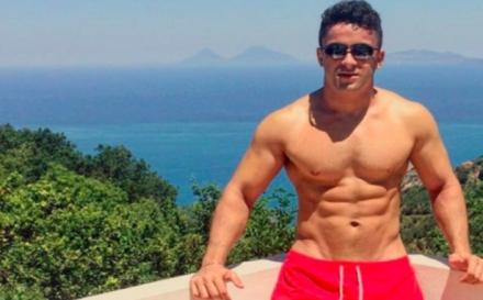 El jugador de rugby Sam Stanley desnudo