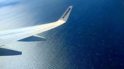 """España: Impiden volar a una pareja gay """"Dos maricones no entran en mi avión"""""""