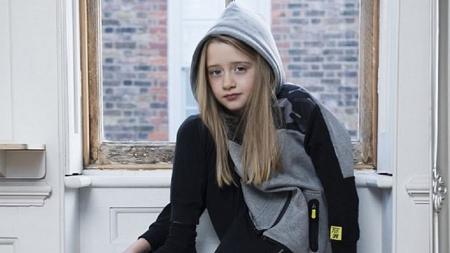 """Niña de 7 años manda emotiva carta a Zara: 'Quiero ser modelo de ropa para hombre"""""""