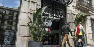 España: Empresarios quieren relanzar Barcelona como capital LGTBI