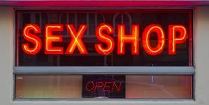 Probar juguetes sexuales puede ser una ocupación muy rentable