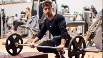Entrenador español Jesús López te enseña a mejorar tus glúteos en 1 minuto