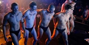Equipo Gay de rugby se desnuda para recaudar fondos
