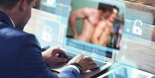 USA: Foro político en línea interrumpido con video sexual gay
