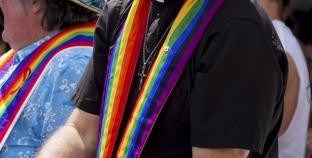 USA: Pastor hace un sentido tributo a joven gay que se suicidó